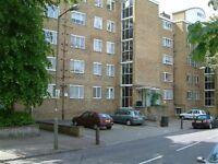 4 bedroom flat in Carslake Road, London, SW1
