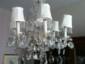 Beaufiful crystal chandelier with caps