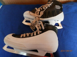 Size 7 Goalie Skates, Bauer 459 Tacks