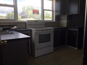 3 bdrm 1100 sq. feet available now