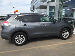 LOW PRICE, LOW KM FOR 2016 Nissan Rogue SV, AWD