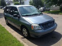2004 Ford Freestar 7 passagers/ A /C