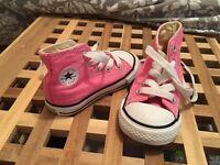 Girls Converse size 4