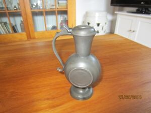 Pewter vase with attached lid ( circa 1950 ) Kingston Kingston Area image 3