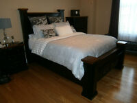 queen bedroom set payed 3600  selling for 2000 8 mo old like new