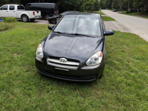 2009 Hyundai Accent Hatch 5spd !ONLY 130K!!!!