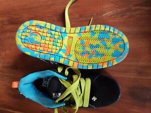 Euc DC shoes size 6Y