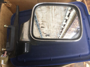 ISUZU TROOPER DOOR MIRRORS London Ontario image 1