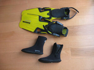 Dacor Panther swim fins and Mares boots almost new