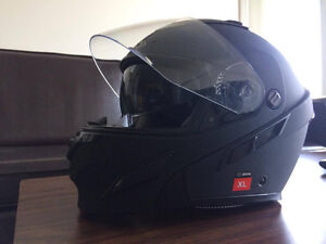 MUST SELL: XL Brand NEW ZOX Motorcycle Helmet