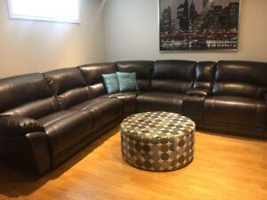 Dark brown leather couch, like new