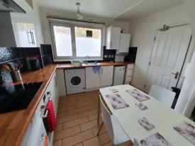 5 Bed Flat HMO licensed in Roehampton Close to all amenities