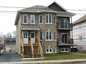 FOR RENT 1232 Cumberland St, Cornwall