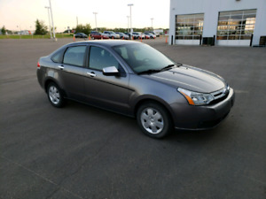 REDUCED 2010 Ford Focus SE 5-speed