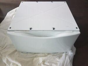 White Pedestal for a front loader washer/dryer