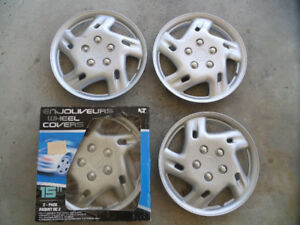 Set of 4 15 in. Hub Cap (Wheel Covers)