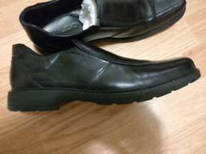 Men's leather shoes from Aldo. Size US 10. Excellent conditions