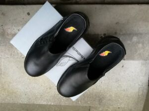 safety shoes for female, size 7.0 and 8.0