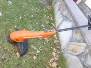 Trimmer/edger electric $25  call 514 824 4544
