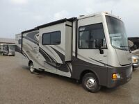 2013 Winnebago Vista - 3 Slideouts - Like New Condition