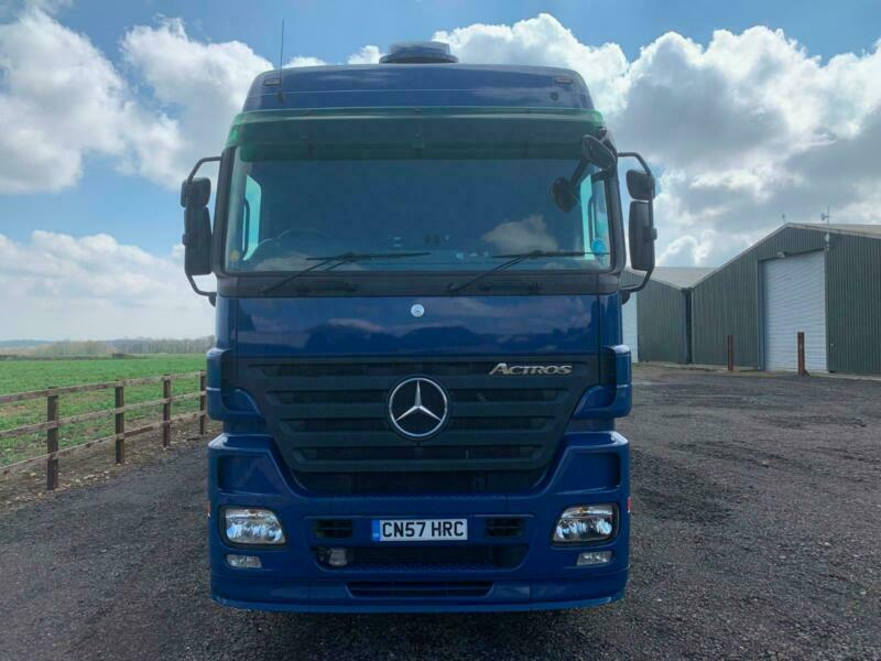 4fba990037 Mercedes-Benz Actros 1846 mega space Removal vehicle