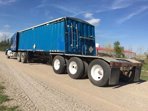 1997 Doepker tri axle lead grain trailer