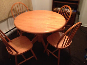 Kitchen table and 4 chairs bargain $ 100.00 for set