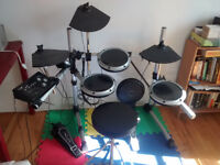 Batterie electronique comme neuf / Electronic Drumset Like New