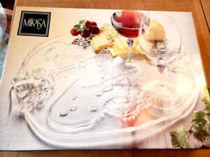 NEW Mikasa Cheese Board and Wine Glass Set. Gorgeous Gift Ideas