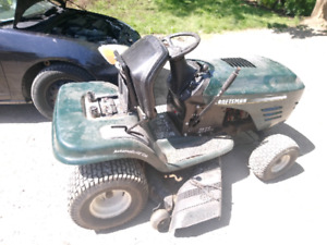 "Riding lawn tractor 42"" cut CRAFTSMAN like toro"