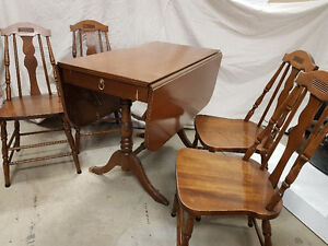 Table Drop Leaf, 4 Chairs