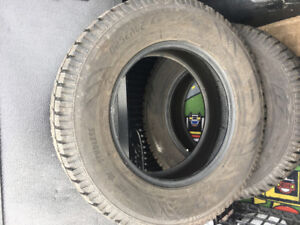Winter tires  2 Toyo 245/70R17 Obereve GSI-S  used 1 year