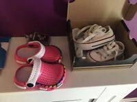 2 pairs baby shoes