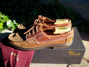 Allen Edmonds Wilton brown moccasin boat shoe 9 D