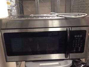 Like new 1.6 cu ft Frigidaire Over the Range Microwave $175 obo