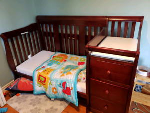 Storkcraft Portofino convertible crib and mattress