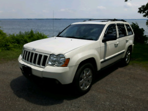 2009 Jeep Grand Cherokee-FULLY LOADED
