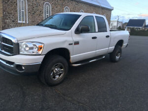 2007 Dodge Power Ram 2500 Slt Camionnette