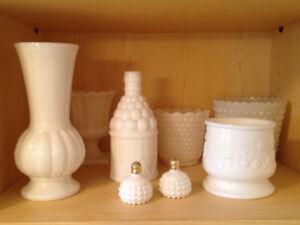 vases en milk glass variés