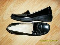 Plusieures chaussures, sandales neuves ou comme neuves