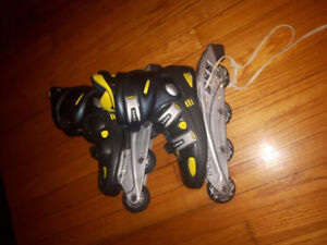 Roller Blades! Women's size 7! GREAT CONDITION!