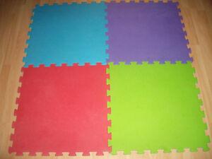 4 Kids reversible floor Tiles ( cover area 120 x 120 cm )