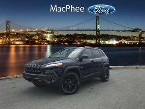 2016 Jeep Cherokee Trailhawk  - Bluetooth