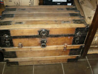 1880's WOODEN STAGECOACH TRUNK GREAT STORAGE/COFFEE TABLE