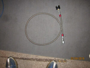 Braided gas line hose 6AN 5 ft with pressure gauge.