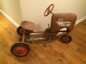 Vintage AMF pedal Tractor