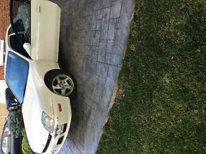 2000 Honda Prelude White Coupe (2 door)
