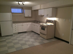 Great 2 Bedroom Suite by Southgate mall & UofA!