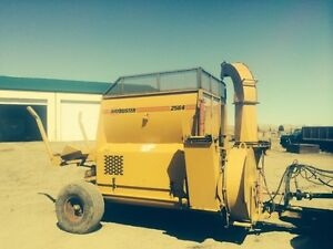 2564 Haybuster bale shredder