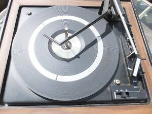 """Vintage BSR """"Soundesign"""" TURNTABLE w/Multi-Play Spindle"""
